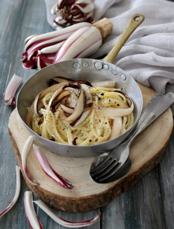 spaghetti al radicchio e tè affumicato