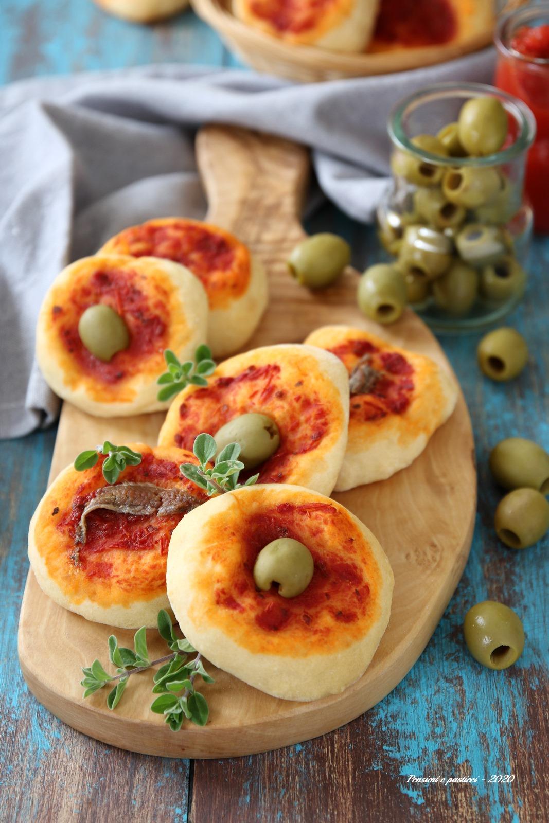 pizzette morbide alla mozzarella