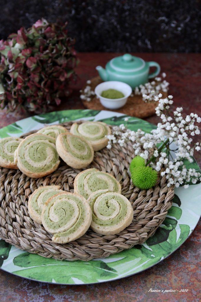 biscotti bicolori al tè matcha