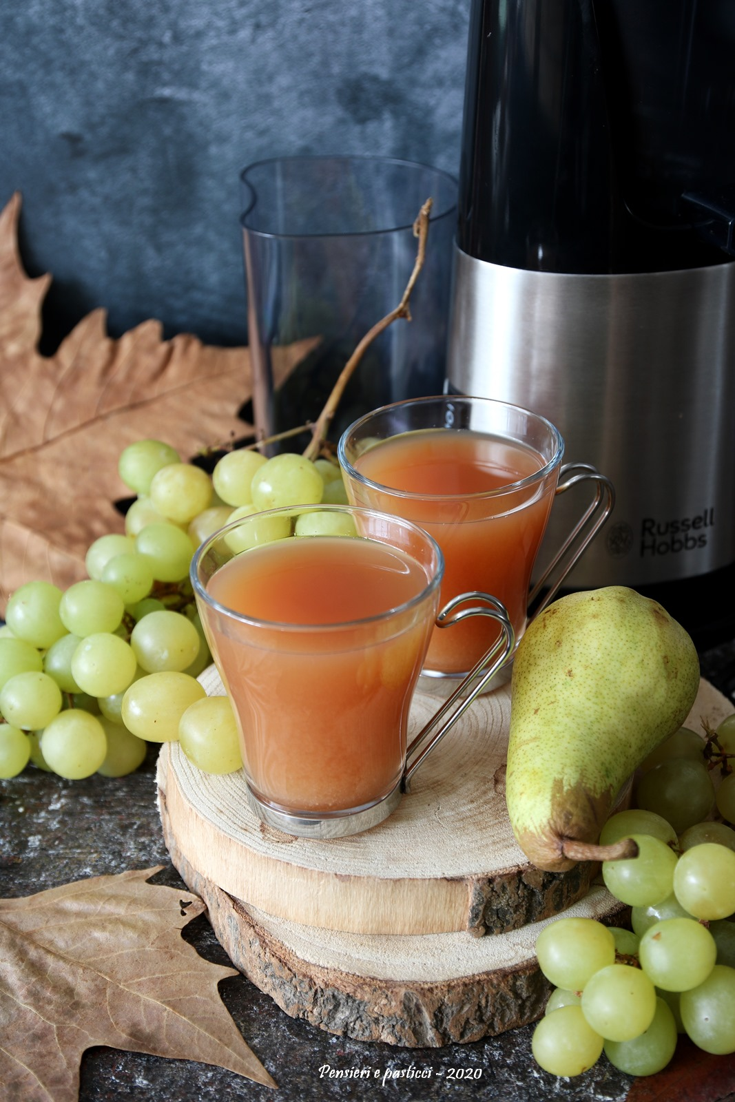 succo alla pera uva e karkadè