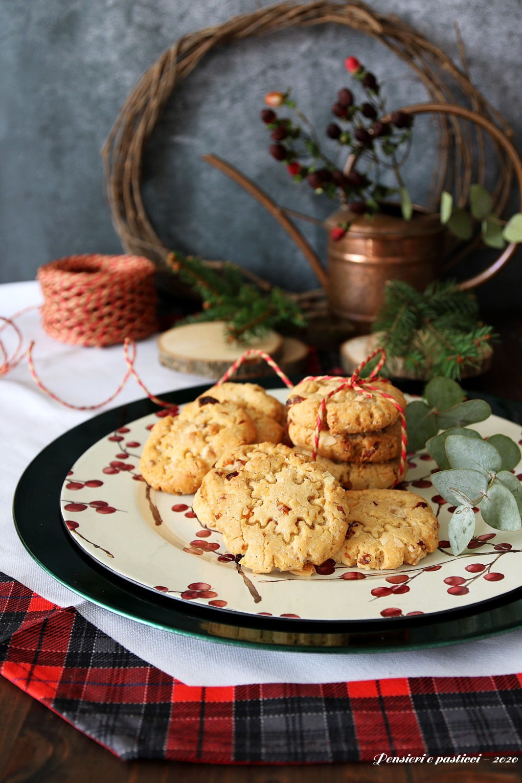 cookies alle mandorle, albicocche e cioccolato