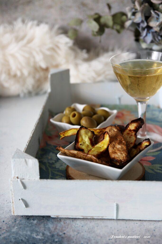 chips di bucce di patate profumate alle spezie