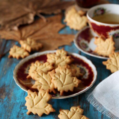 maple leaf cookies biscotti canadesi