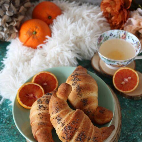 brioches profumate all'arancia con licoli