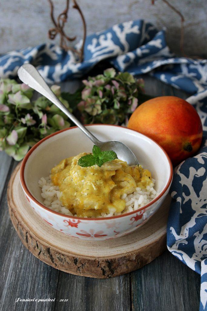 Straccetti di pollo in salsa di mango con curry e menta
